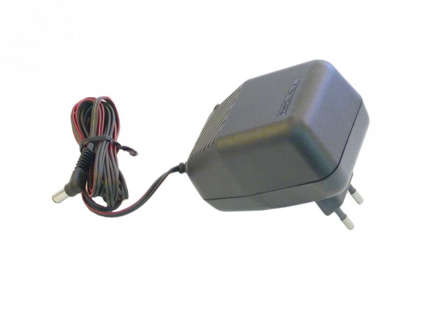 Zasilacz sieciowy stabilizowany 5V/500mA 6WZS TATAREK