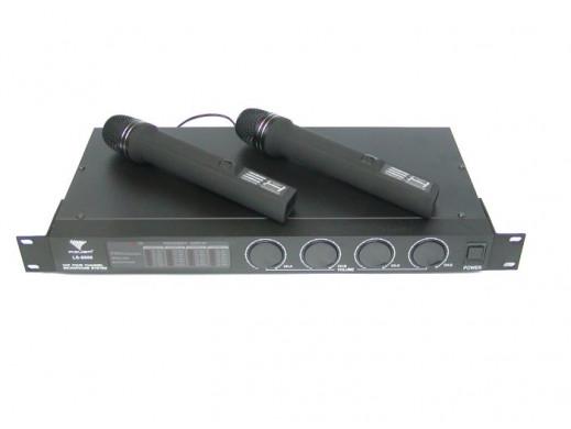 Mikrofon bezprzewodowy AZUSA LS-888 2 do ręki +2 na klip