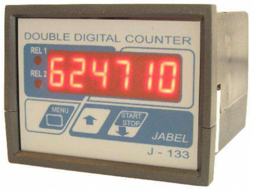 J-133 Podwójny licznik impulsów w obudowie panelowej