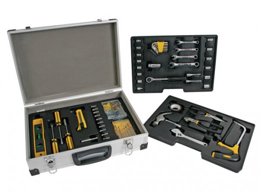 Zestaw narzędzi w walizce...