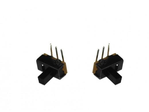 Przełącznik suwakowy 2 pozycje 11,23mm*5,71mm piny kątowe SS12F21-G6