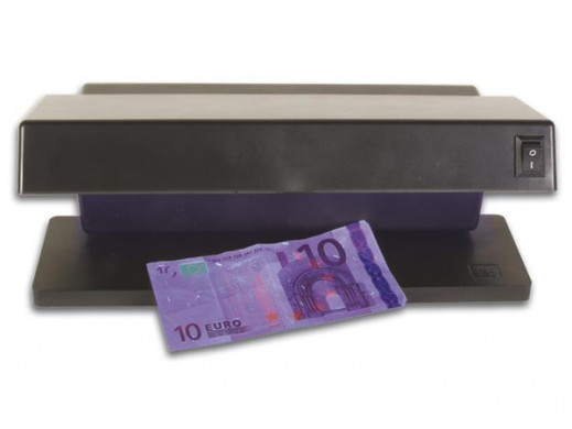 Tester banknotów z lampą UV...
