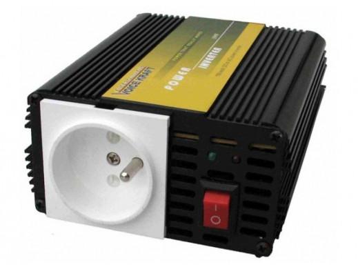 Przetwornica samochodowa 12V/230V/300W VoiceKraft