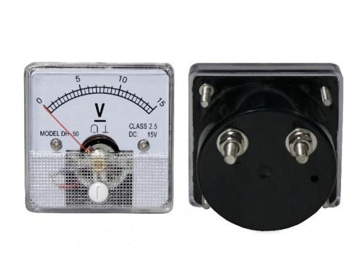 Voltomierz analogowy 15V kwadrat