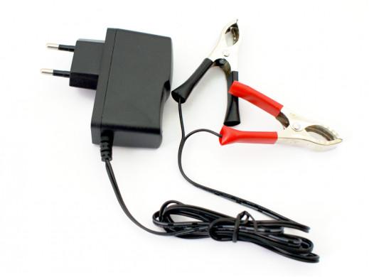 Ładowarka akumulatorowa 12V