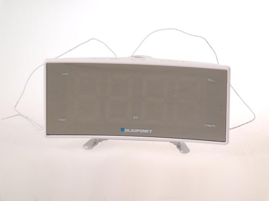 Radiobudzik FM CRP7WH LCD z projektorem Blaupunkt POSERWISOWY Porysowany ekran, pudełko zastępcze