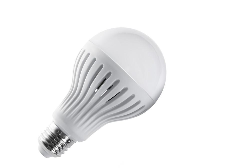 Żarówka LED E27 9W 230V Maclean Energy MCE177 WW ciepły biały mikrofalowy czujnik ruchu i zmierzchu