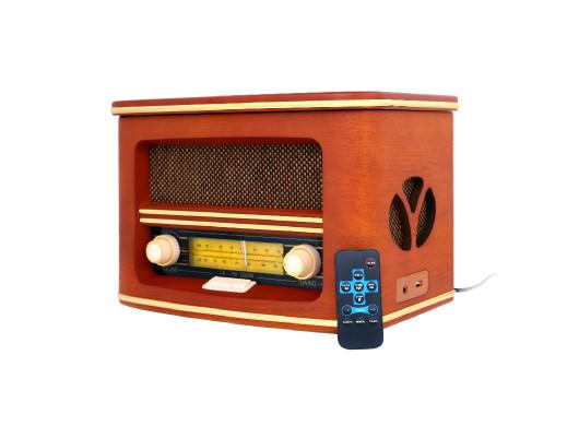 Radio z BT...