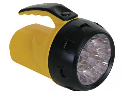 SILNA LATARKA LED - 9 DIOD LED - 4 x BATERIA AA