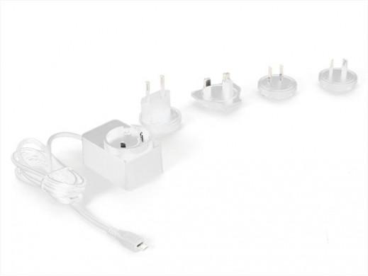 UNIWERSALNA LADOWARKA ZE ZLACZEM MICRO-USB - 5 VDC - 2,5 A z 4 wtyczkami podróznymi